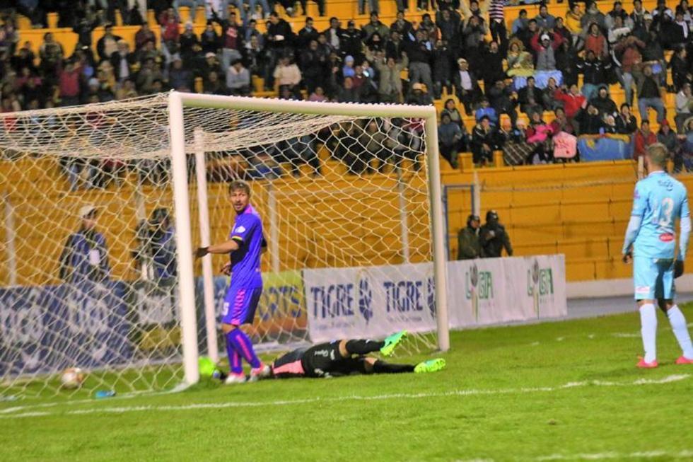 Real Potosí derriba al líder del torneo Apertura