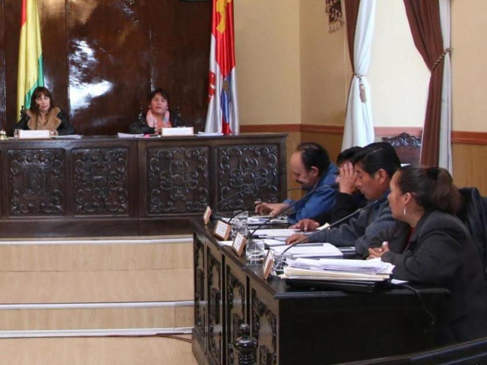 Control de asistencia de concejales será con equipo biométrico