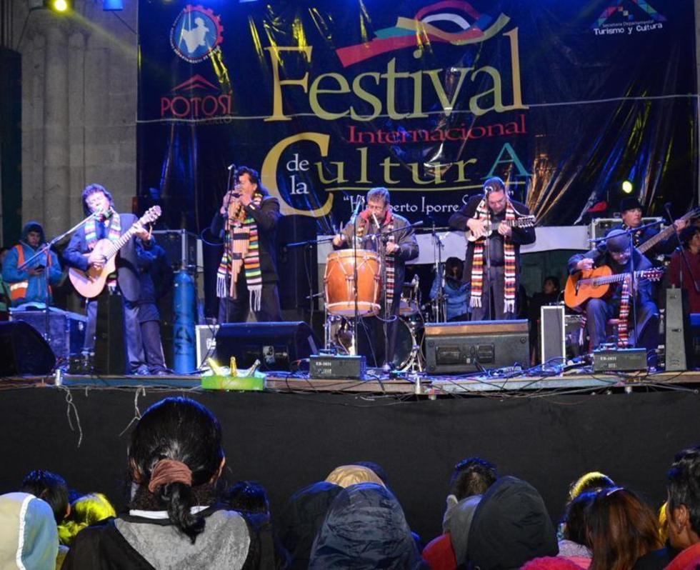 Los potosinos actuaron en el festival de cultural del 2015.