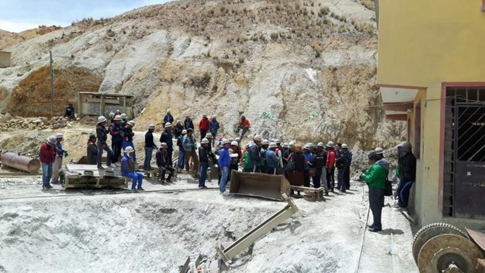 Trabajadores toman mina y denuncian explotación