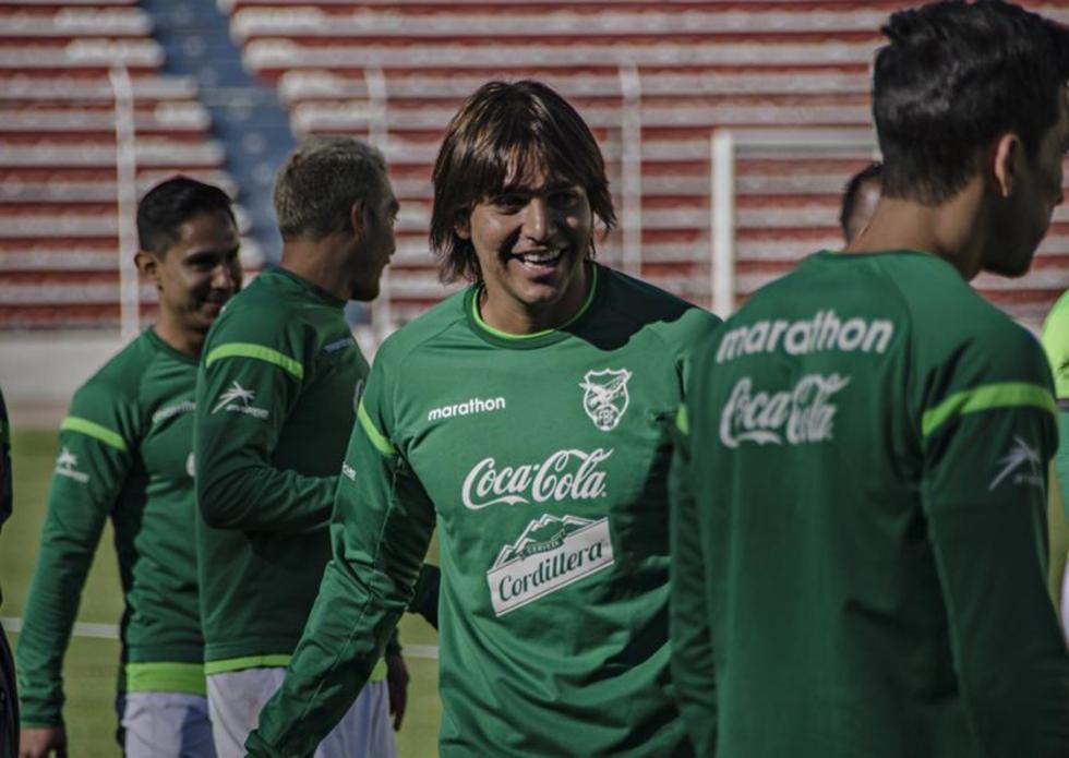 El delantero boliviano durante la práctica.