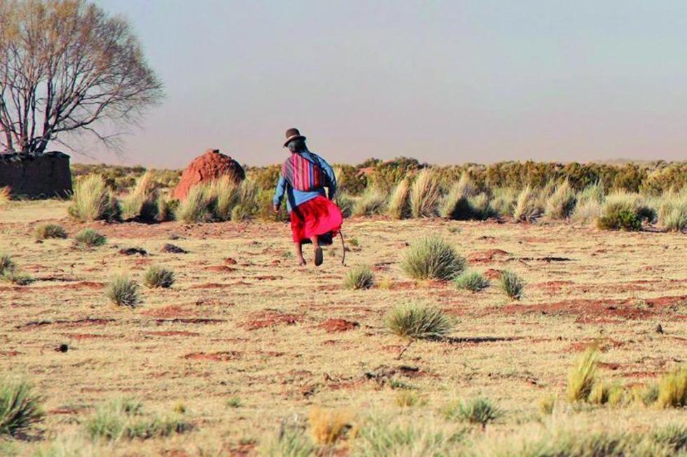 La gente del campo no puede sembrar por la falta de agua.