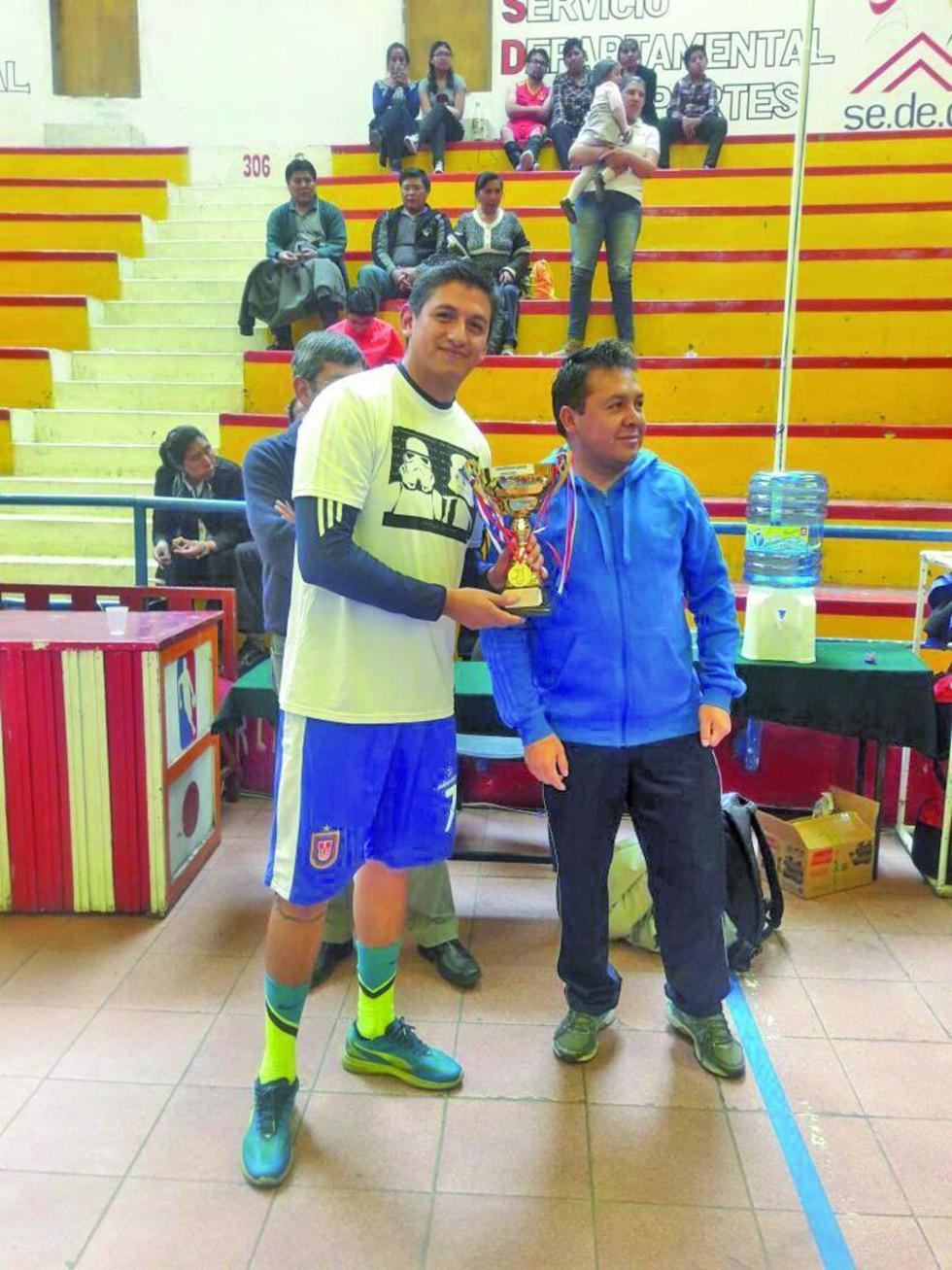 Universitario y Carl -AZ logran el título en la Liga de Sur