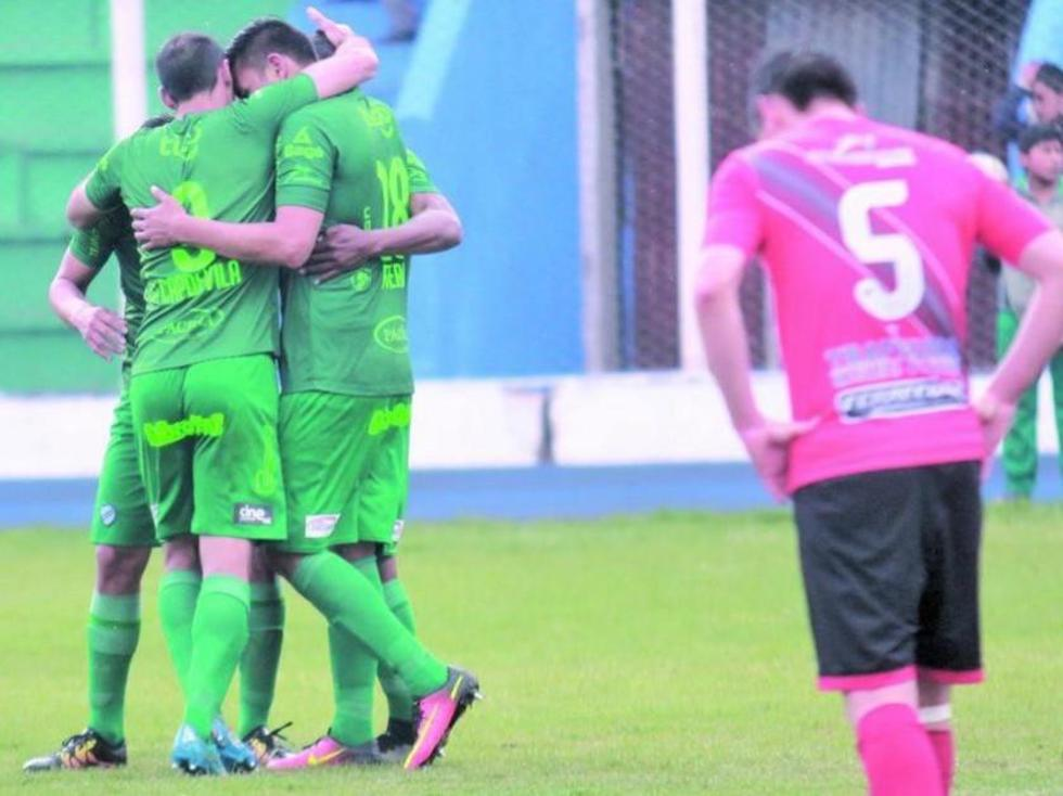 Bolívar golea a Nacional Potosí y se afianza en la cima del torneo
