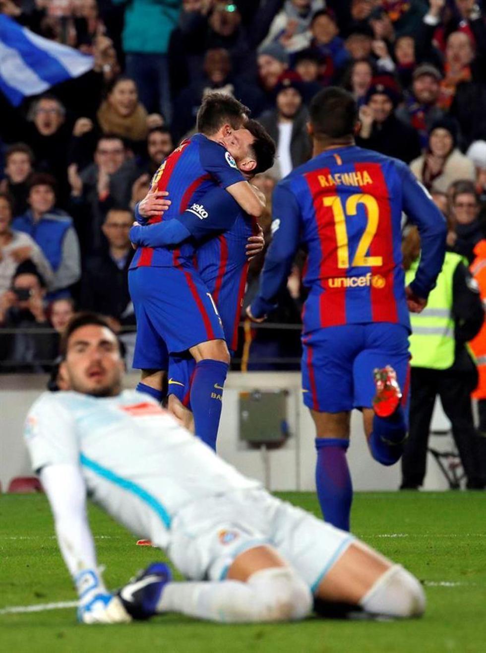 Barcelona vence 4-1 a Espanyol