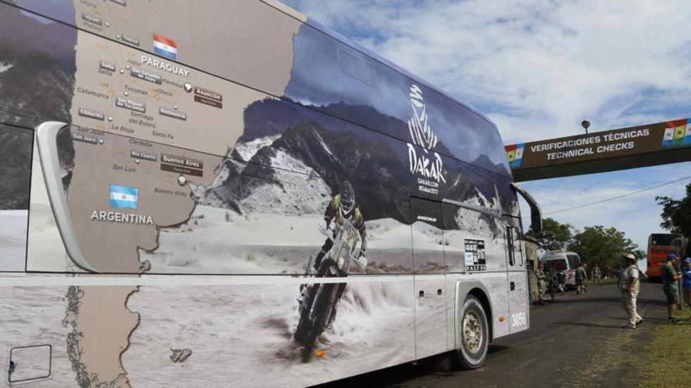 El Dakar inicia su recorrido por tres países