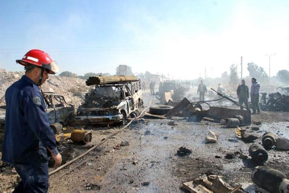 Explosión de camión bomba deja decenas de muertos en Siria