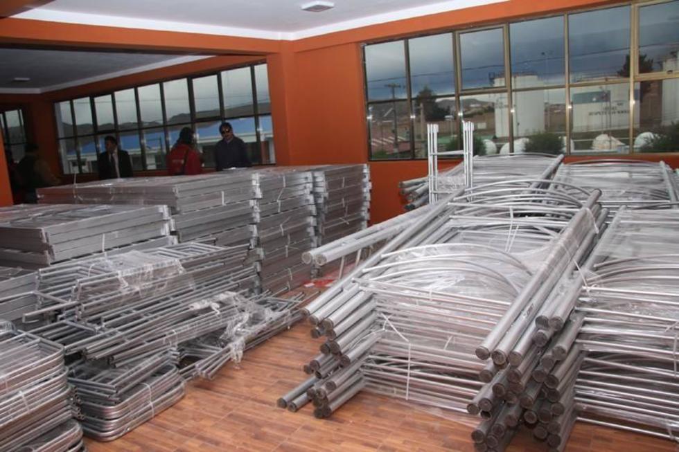 Las camas que serán armadas en los cuartos.