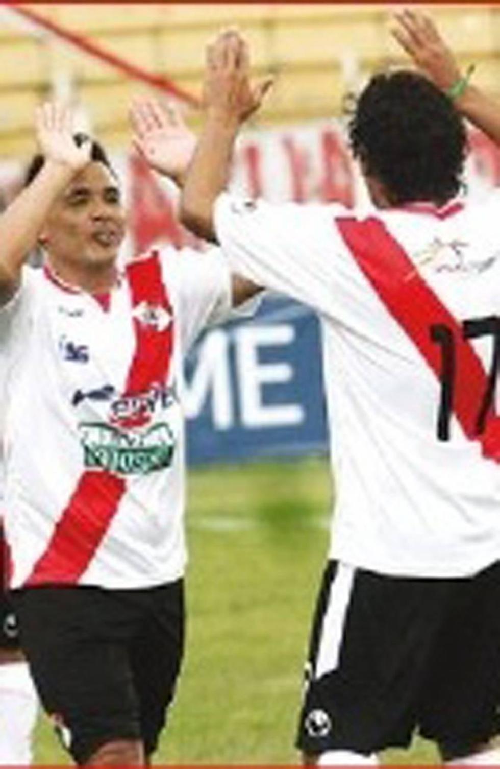 Nacional Potosí se enfrenta a Sport Boys en Santa Cruz