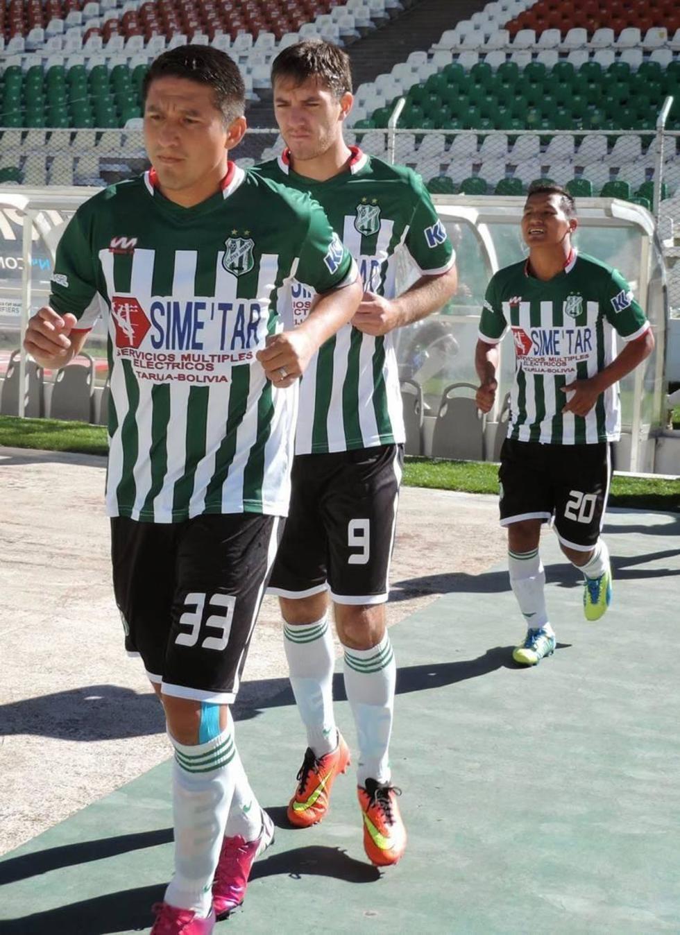 El plantel de Atlético Bermejo.
