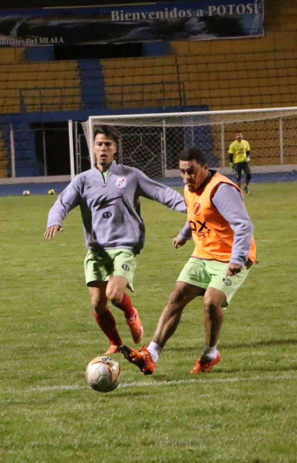 Nacional Potosí va tras los tres puntos ante Universitario