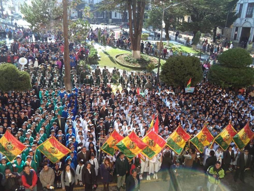 El acto central fue en la plaza de armas 10 de Noviembre.