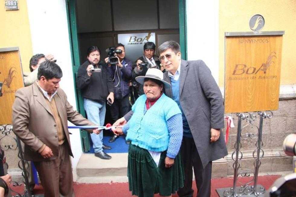 El acto de inauguración de la oficina estatal en el edificio de la Gobernación.