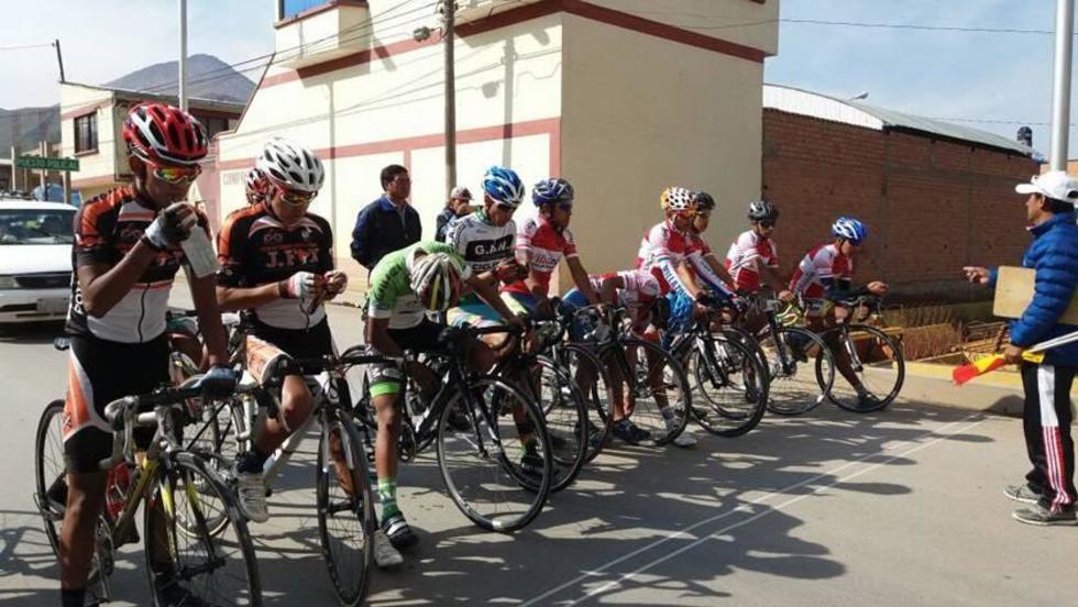 Los ciclistas previo a la prueba de fondo.