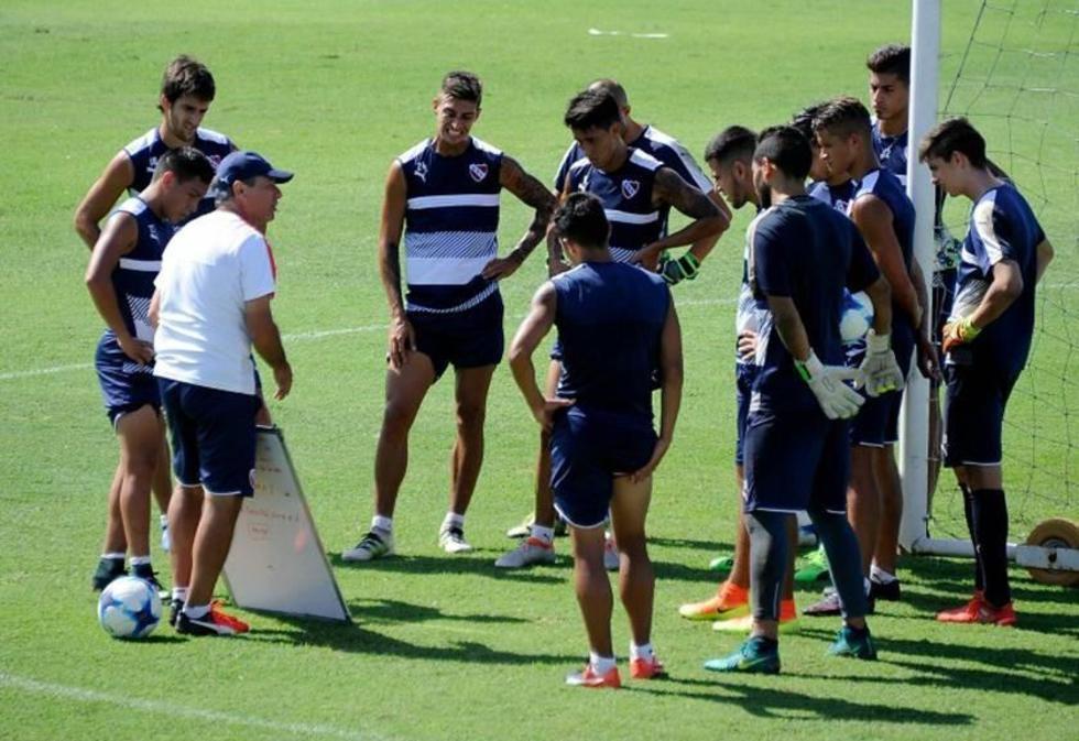 Independiente se mide con Alianza Lima