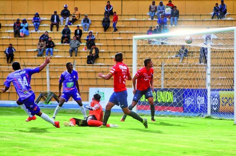 Real golea y sale del fondo en el torneo Apertura