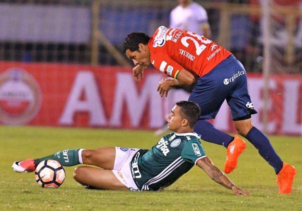 Wilstermann pone un pie en octavos de final en Libertadores