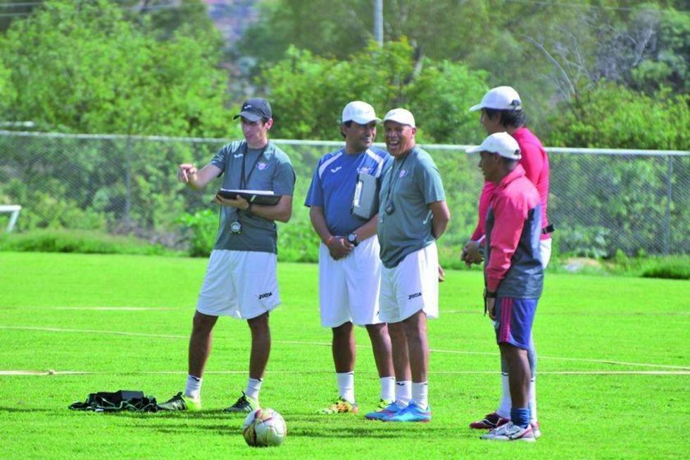 Wilster busca dos refuerzos para la Copa Libertadores