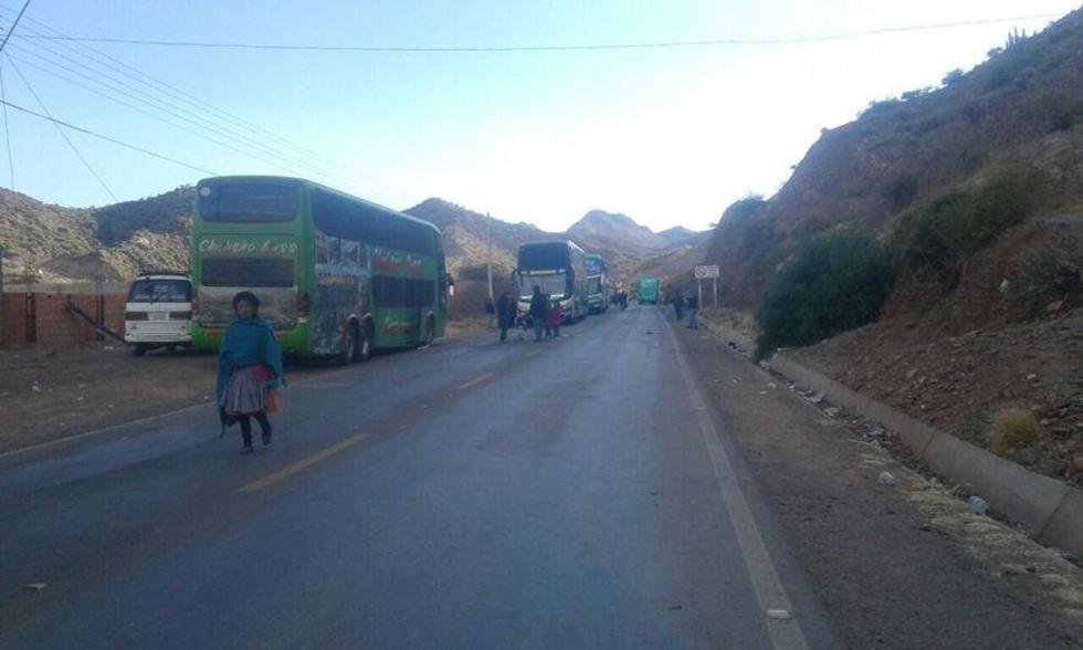 Tupiceños mantienen bloqueo de caminos y el diálogo no avanza