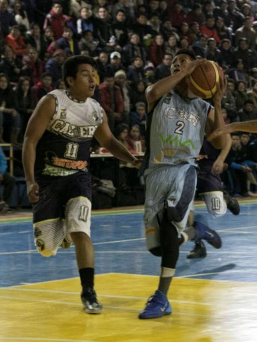 El jugador Axel Veizaga en su partido debut con la divisa del conjunto potosino.