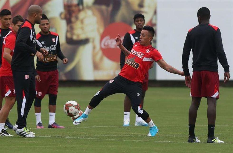 Perú pone a prueba la reacción de Paraguay