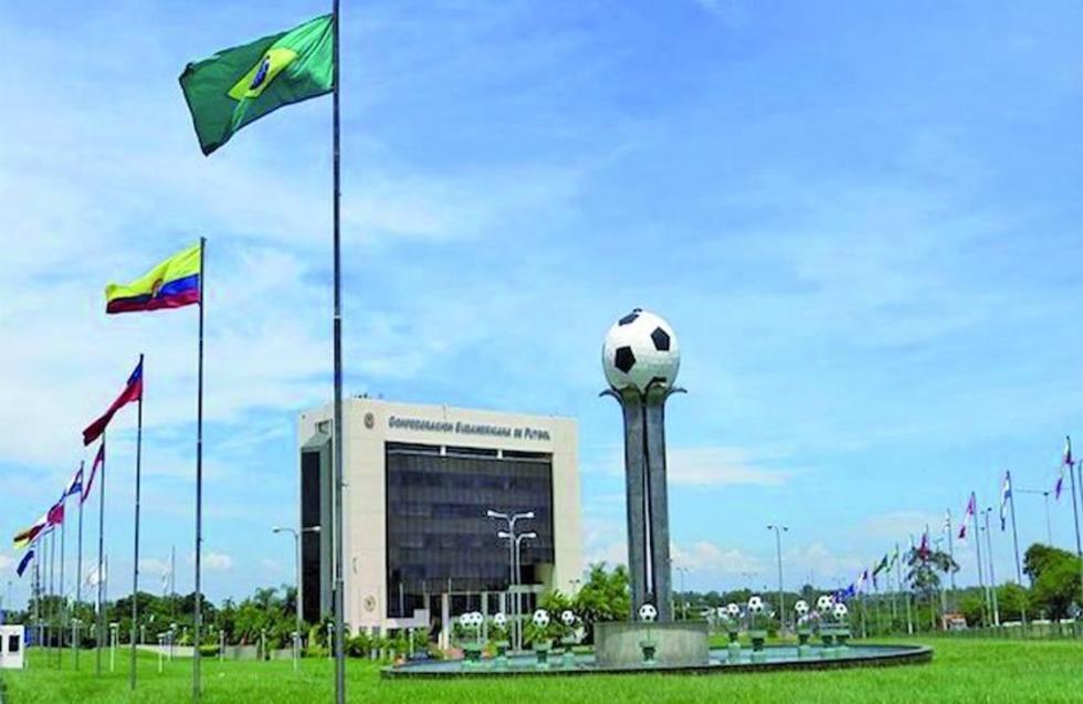 Conmebol designa ternas para la Libertadores