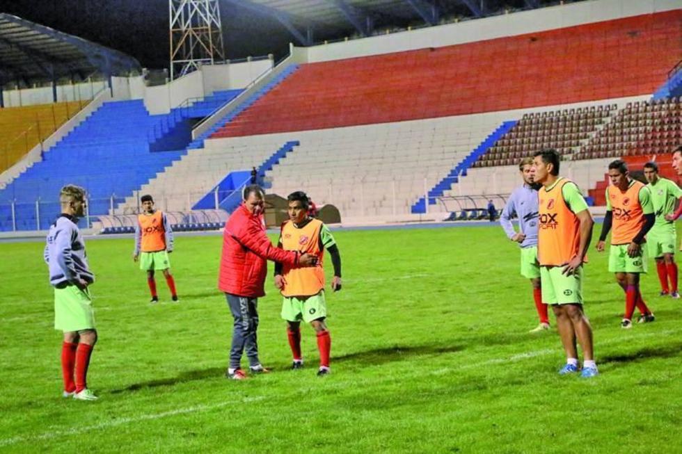 Isaías Dury es baja en el equipo de la banda roja