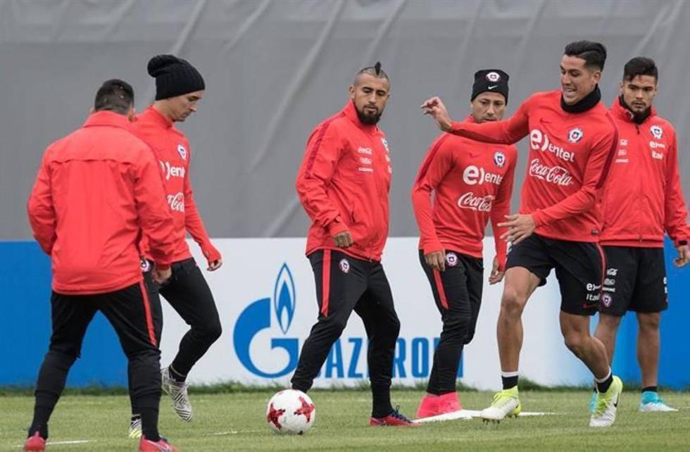La selección chilena durante su entrenamiento.