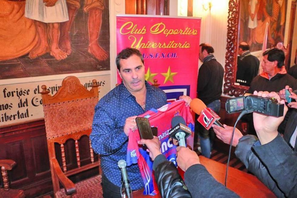 Malvestiti asume como entrenador de Universitario