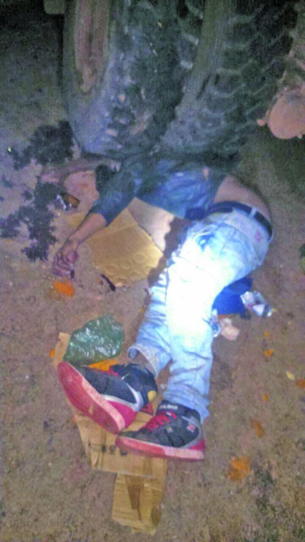 Uno de los cuerpos fue encontrado entre las llantas.