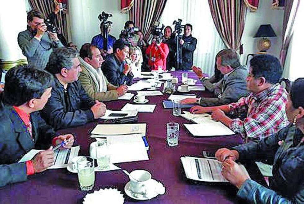 Legislativo recibe lista de 47 candidatos para los cargos judiciales