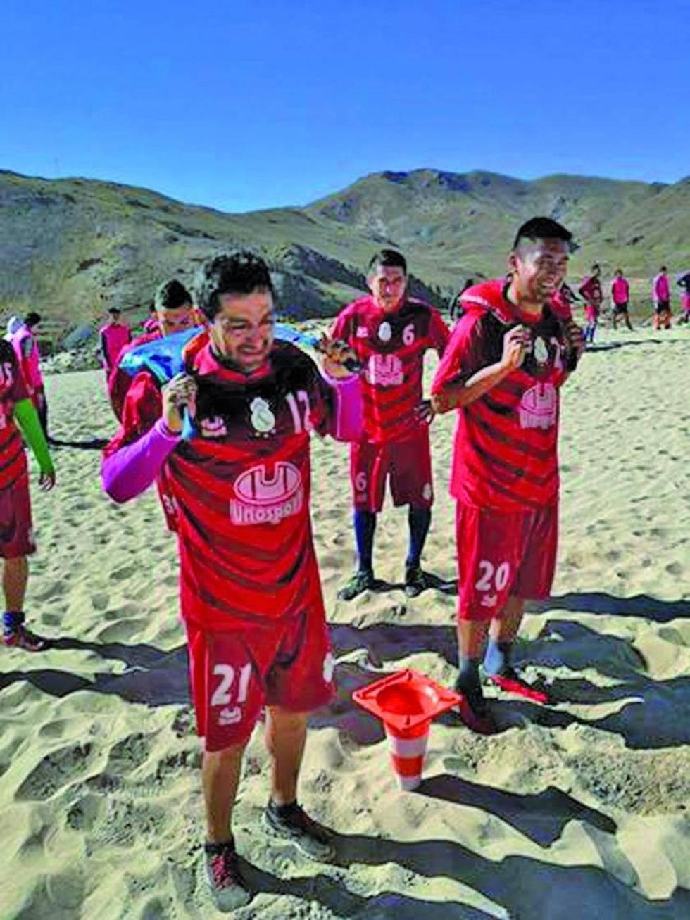 Darwin Peña y Grover Cuellar lideran el entrenamiento.