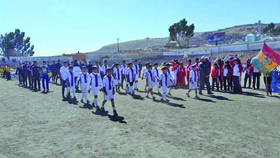 AFP inaugura el campeonato local de fútbol de las divisiones inferiores