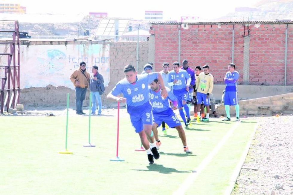 Real Potosí va tras los puntos en partido ante Universitario
