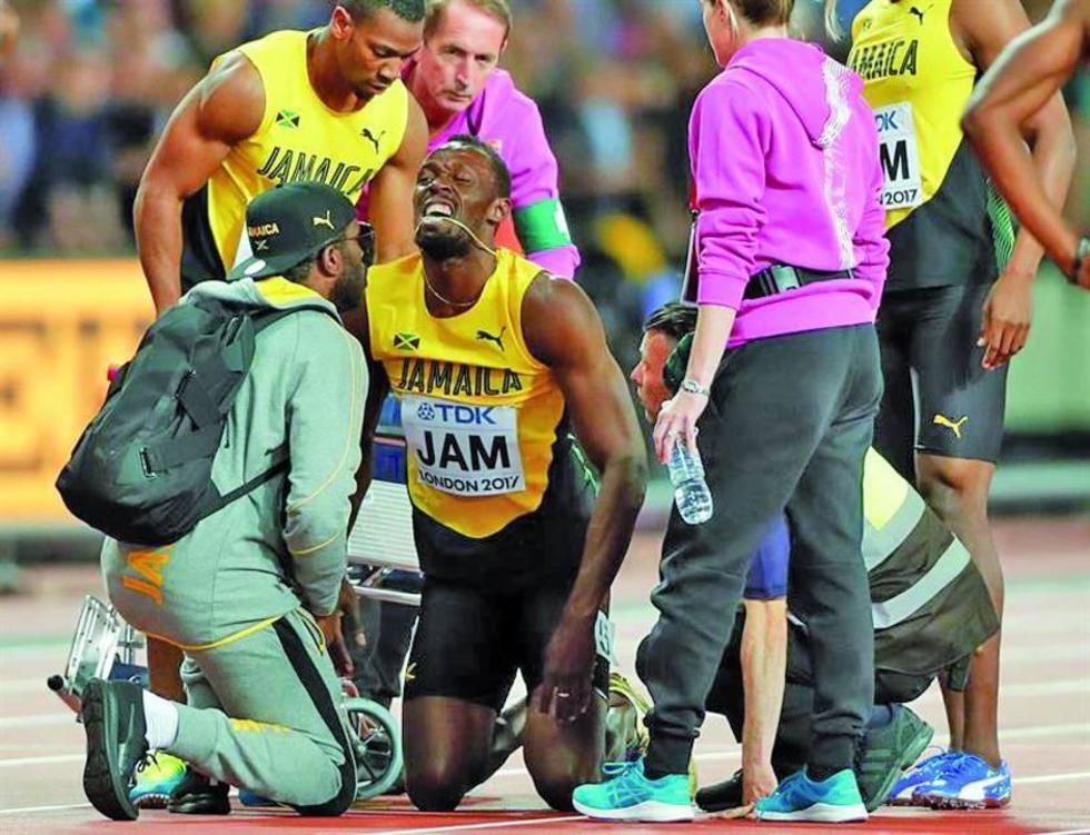 El once veces campeón mundial se lamenta por su lesión.