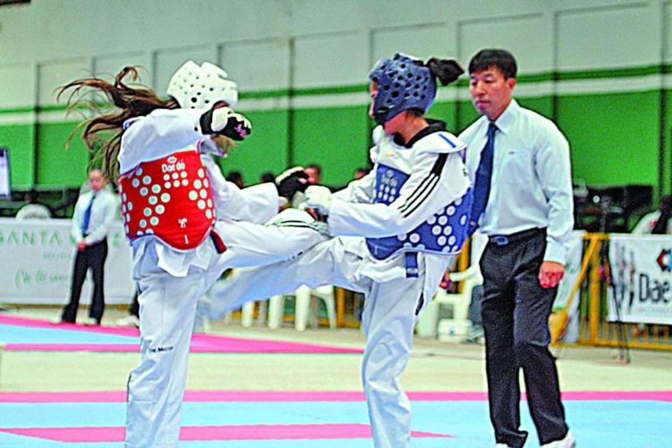 """Combates dan inició al torneo Nacional de Taekwondo en el """"Ciudad de Potosí"""""""