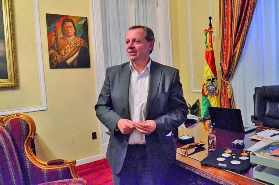 José Alberto Gonzales, es el presidente de la Cámara de Senadores.