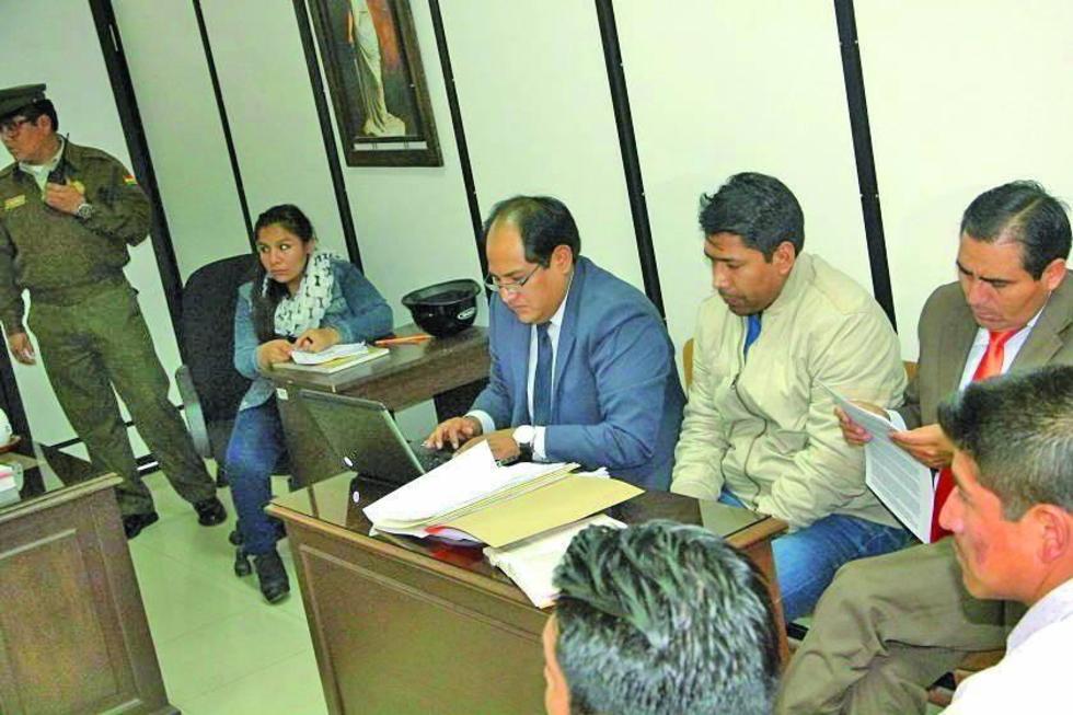 El exviceministro deberá cancelar una fianza de 60.000 Bolivianos.
