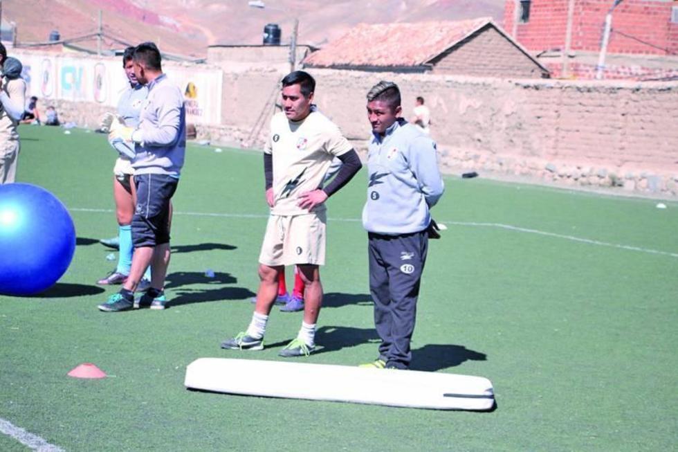 Isaías Dury y Ronald Gallegos durante el entrenamiento.