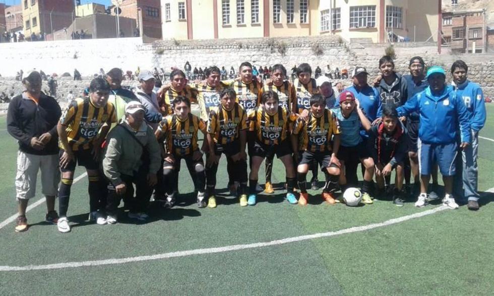 El equipo de Peñarol Calvario.