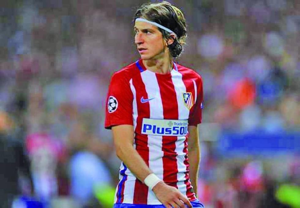 Filipe Luis, tiene una lesión en el muslo izquierdo.