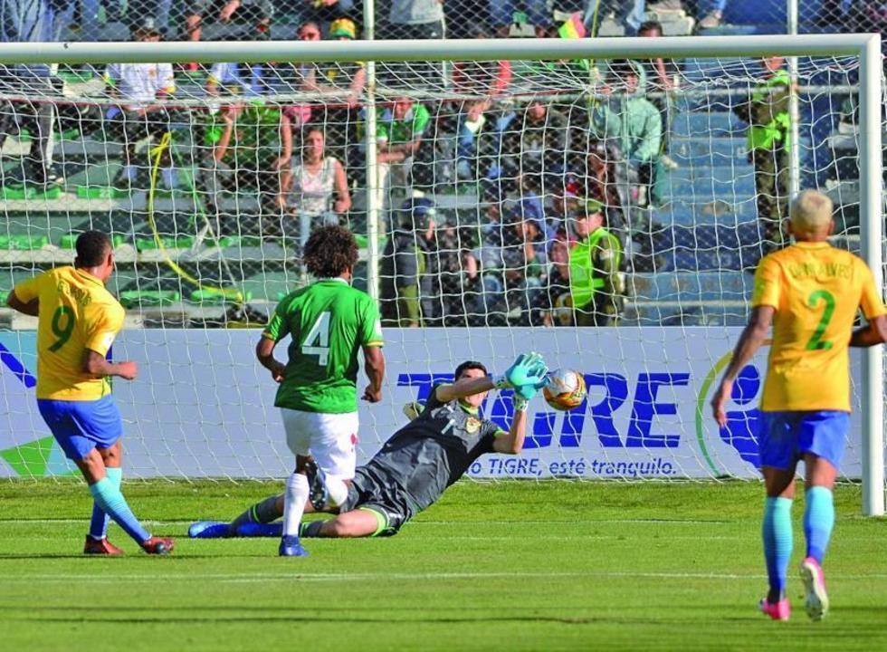 Lampe fue un muro en partido que Bolivia jugó con Brasil