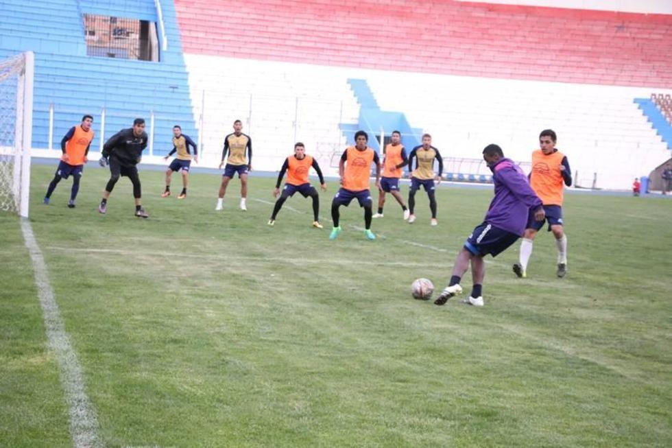 Los jugadores lilas durante su último entrenamiento.