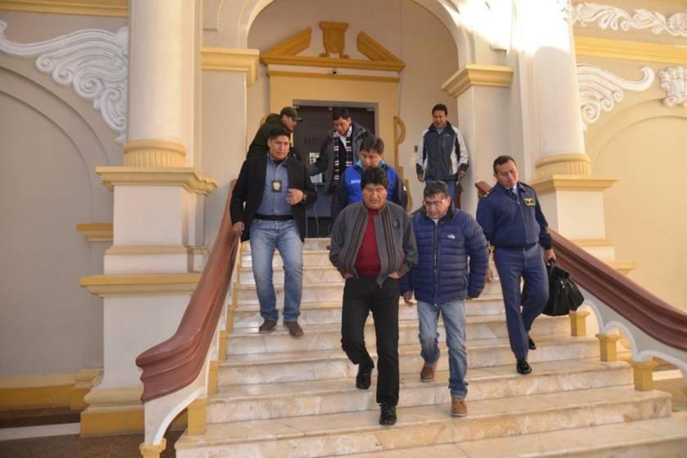 El presidente del Estado, Evo Morales, junto al titular del Real, Wilson Gutiérrez.