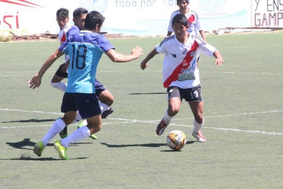 Nacional vence a Blooming en el partido de ida