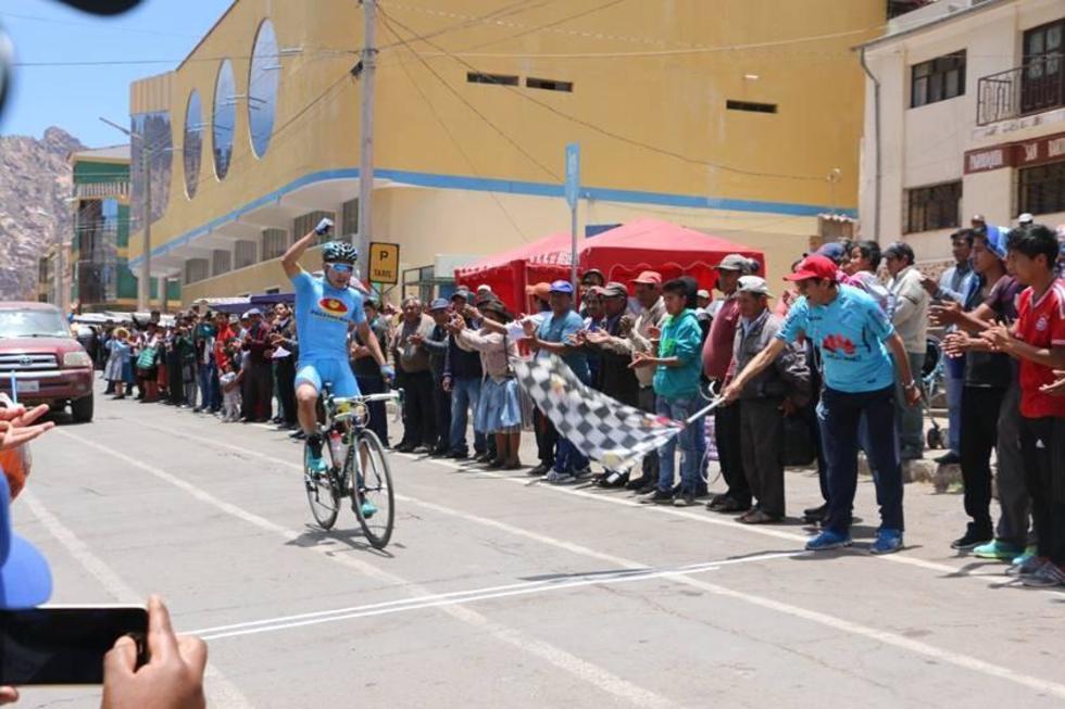 Arando es líder de la prueba de ciclismo