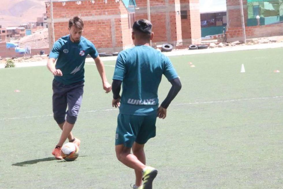 Martín Galain hará dupla con Miguel Hoyos en la zona defensiva.