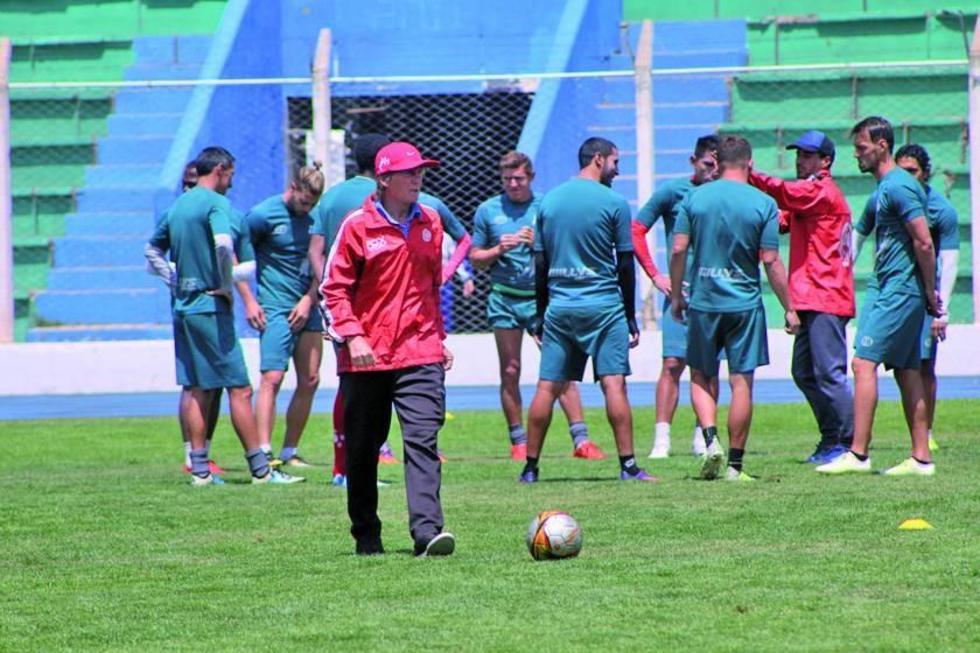 El estratega Ángel Pérez durante una de las prácticas.