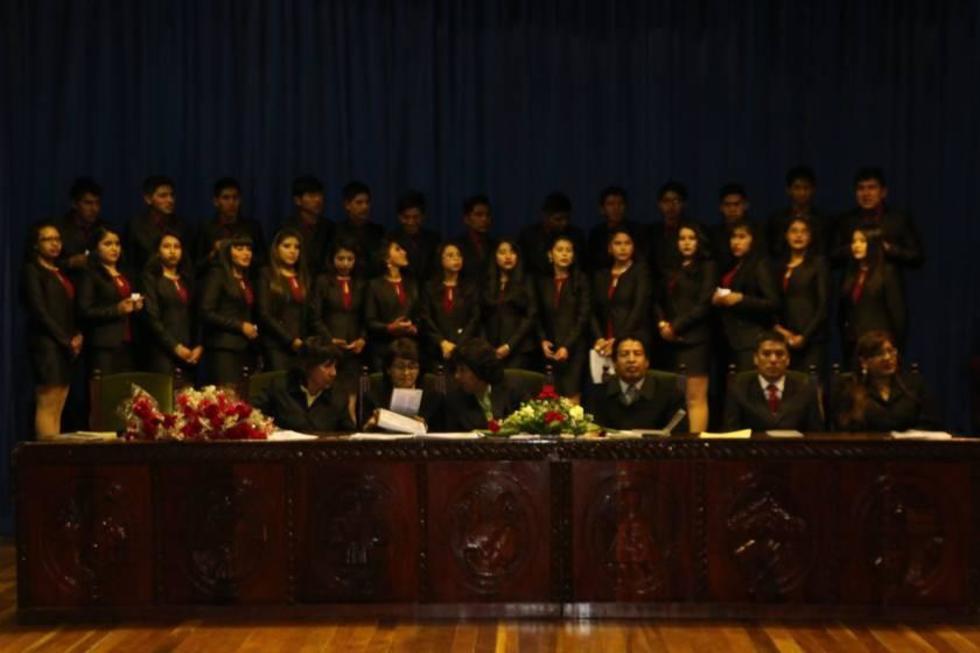 Las graduaciones iniciaron con los colegios particulares el 8 de diciembre.
