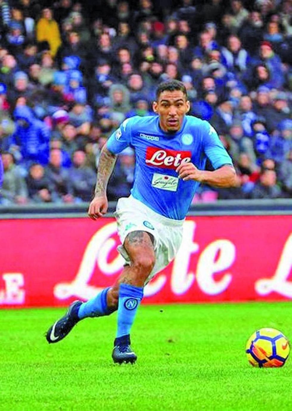 Nápoles se coloca líder de la liga italiana